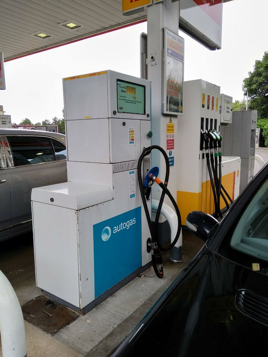 Autogas pump Shell Hickstead Kate.jpg