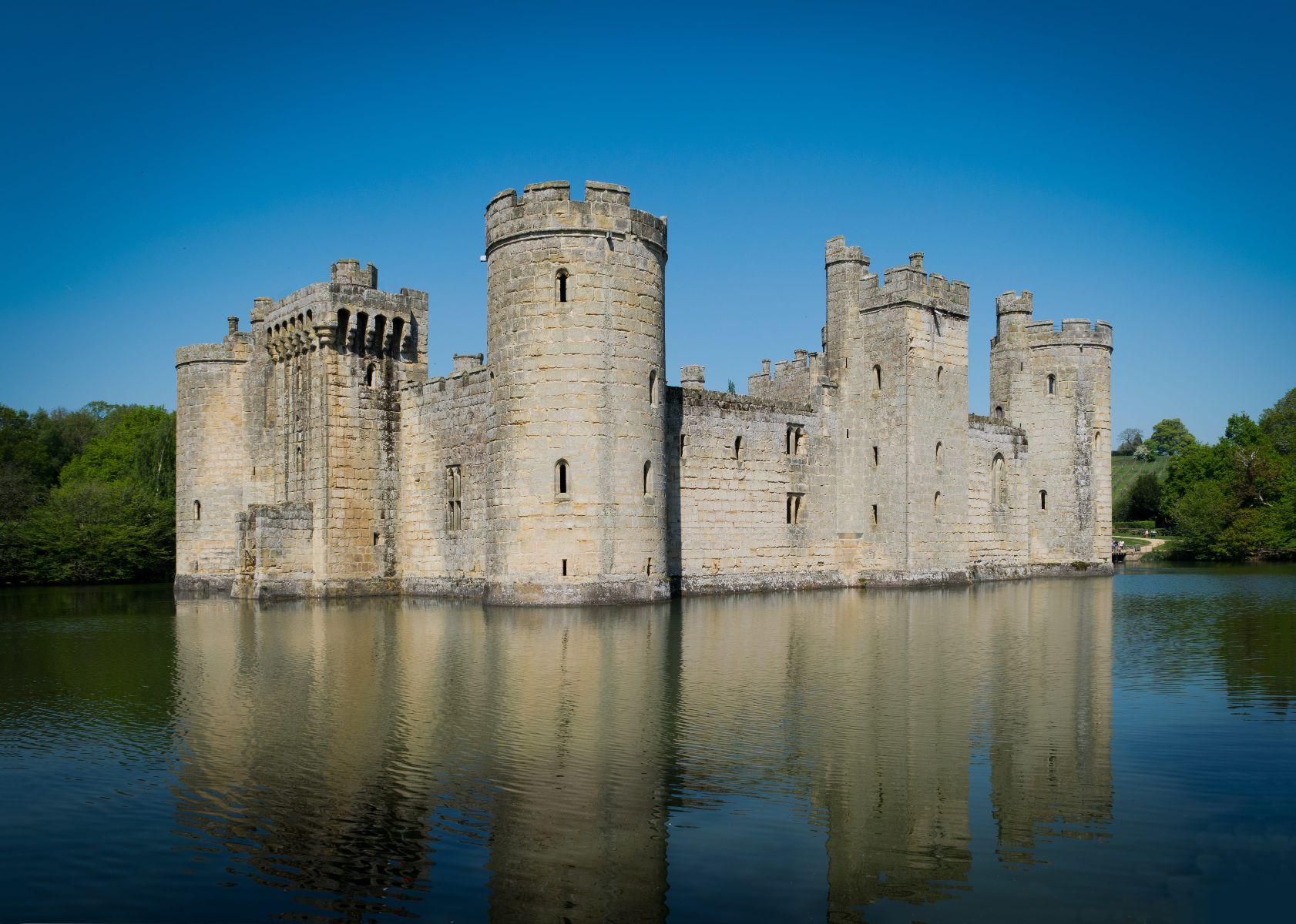 bodiam_castle_nt.jpg