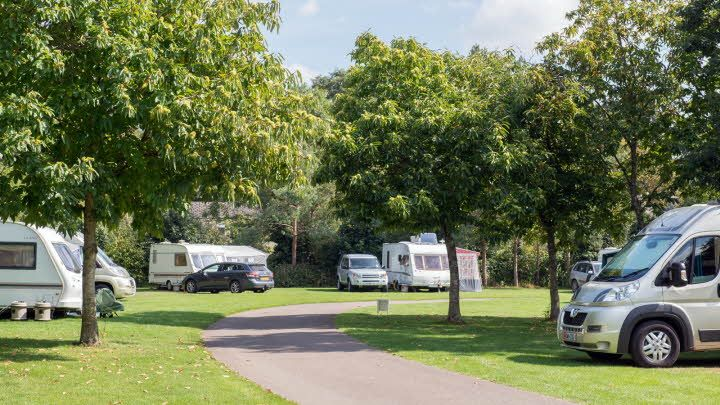 BurfordCaravanClubSite000.jpg